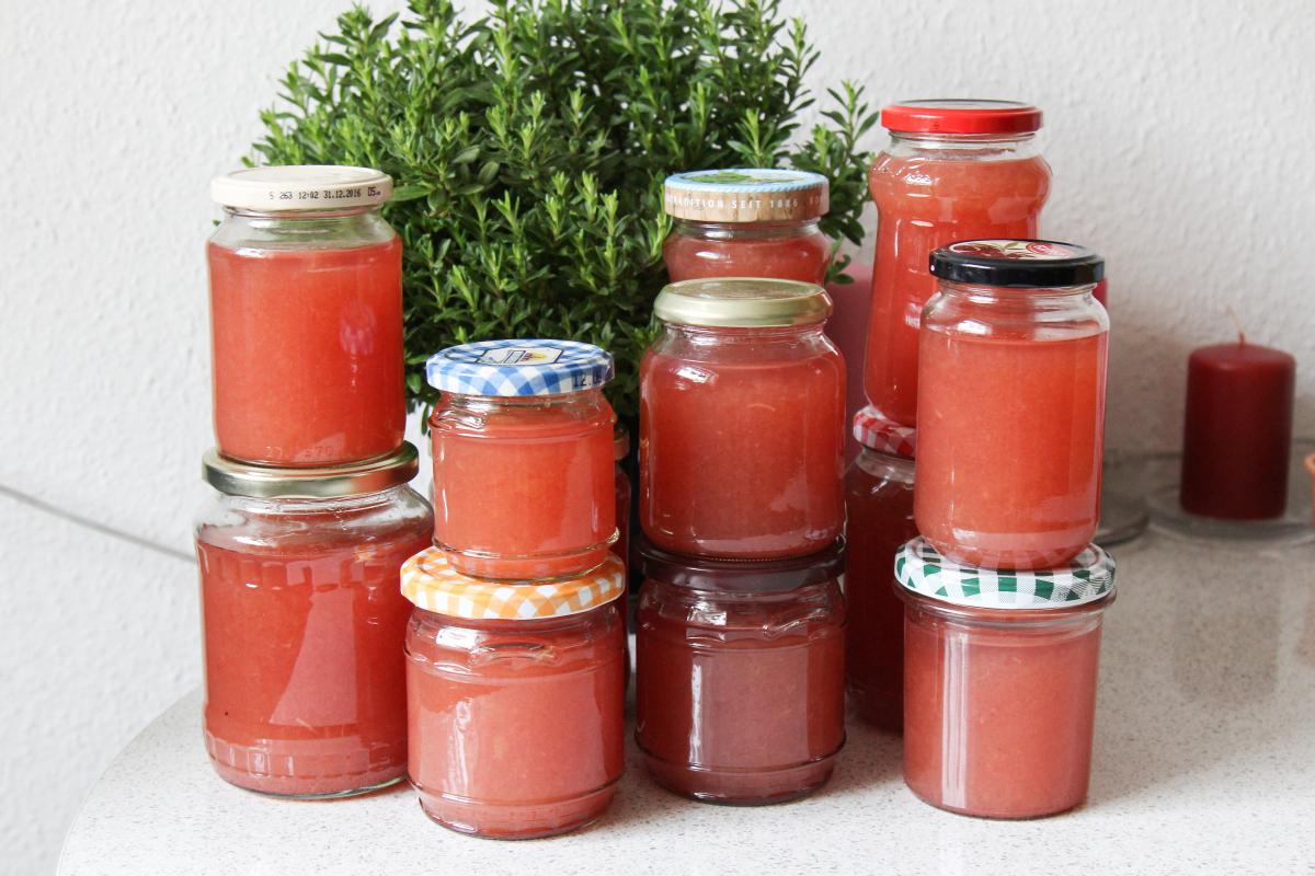 apfel marmelade mit ingwer fruchtig frisches rezept majas pflanzenblog. Black Bedroom Furniture Sets. Home Design Ideas
